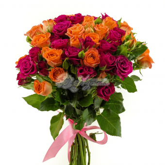 Букет из 17 кустовых роз